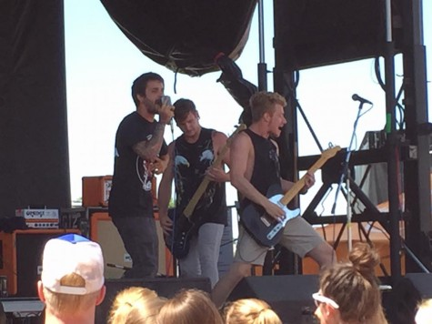 Carousel Kings performing at warped tour. If you like Sleeping With Sirens or All Time Low, you should definitely check these guys out.