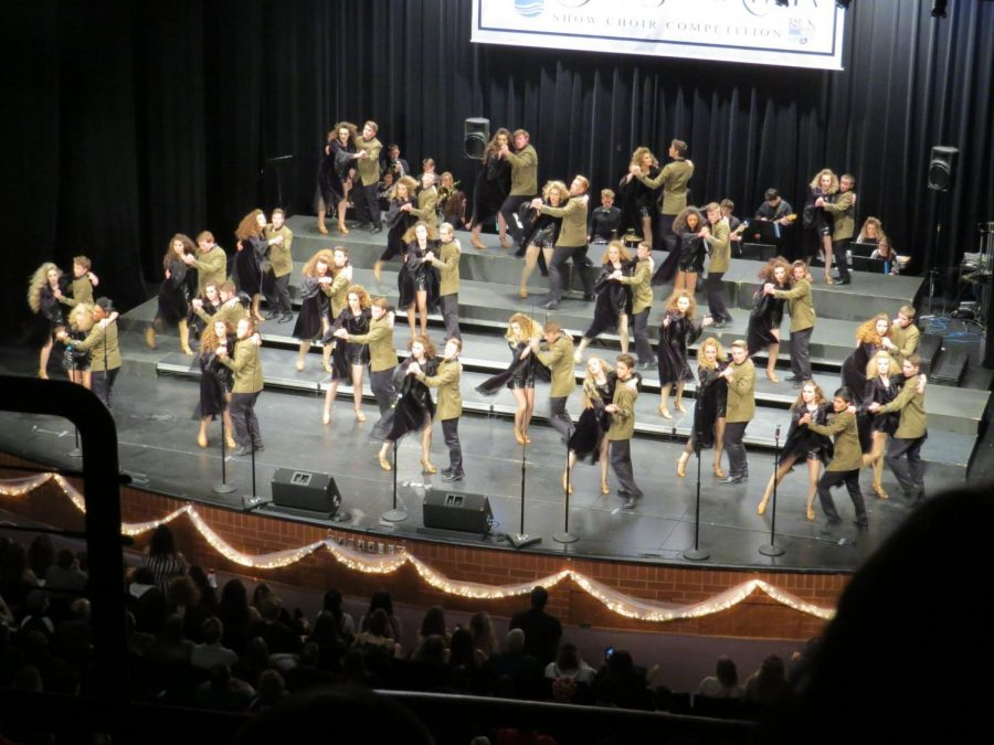 Show Choir sweeps in Nebraska competition